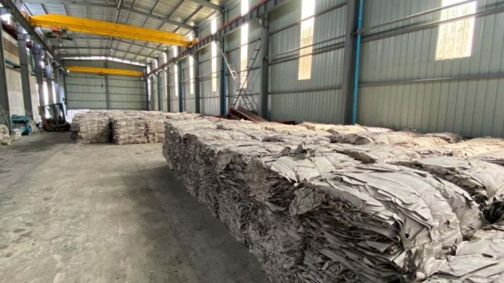 What are the important issues for pulp and paper warehouse storage?